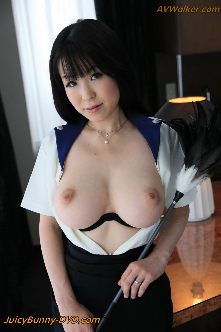 Japanese housewife Yui Satonaka is new blowjob maid at Love Hotel